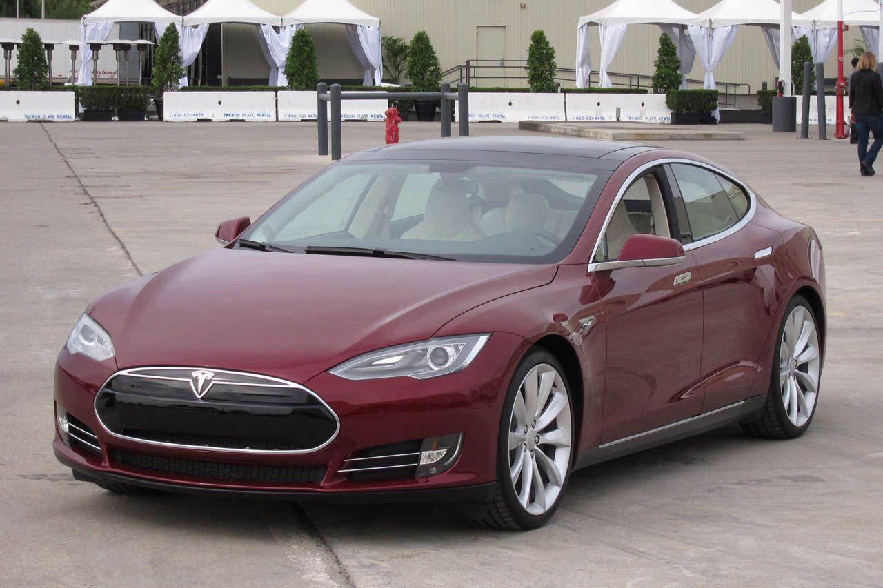 Цена на электромобиль Тесла в России