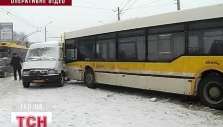 Засніжені дороги забрали життя трьох людей на Полтавщині