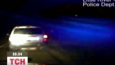 Полицейские США сняли как на Землю с неба падал метеорит