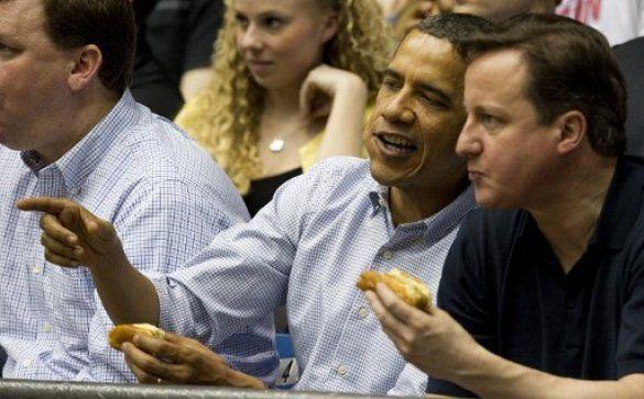 Барак Обама і Девід Кемерон на баскетболі_8