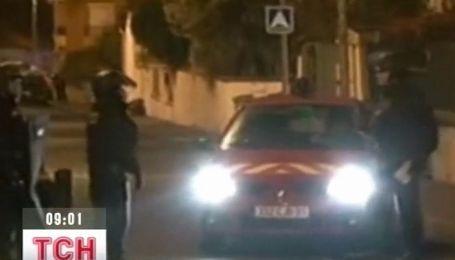 """Французская полиция штурмует дом """"мотоциклиста-убийцы"""""""