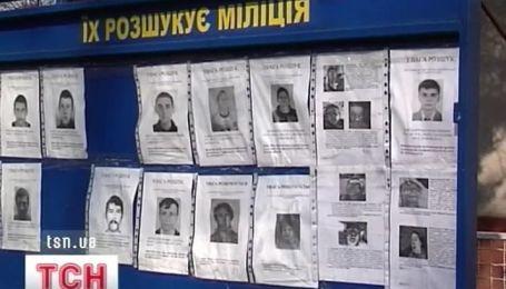Шестеро грабителей железными палками пытались выбить деньги у бизнесмена