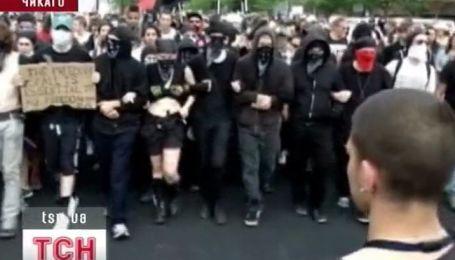 Уличными драками сопровождается саммит НАТО в Чикаго