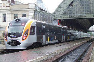 У нових потягах Hyundai хитає, як у шторм, та не працює Wi-Fi
