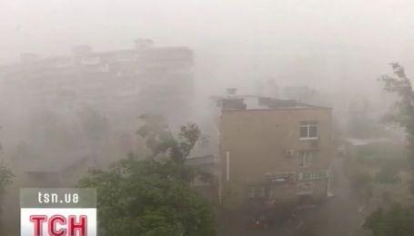 Погодные катаклизмы украинцы связывают с приближением конца света