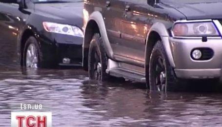 Киевские улицы за считанные минуты превратились в реки