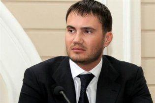 Молодший син Януковича в соцмережах запевнив, що з батьком все гаразд