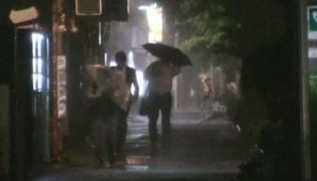 Тайфун приніс в Японію зливи та зсуви