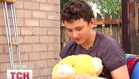 В Днепропетровске борется за жизнь 14-летний Никита Лотаков