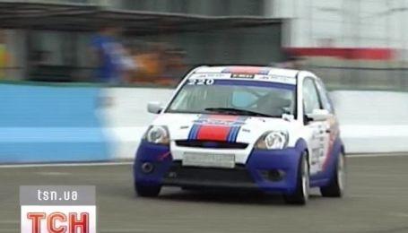 Только что стартовал второй этап чемпионата Украины по кольцевым гонкам