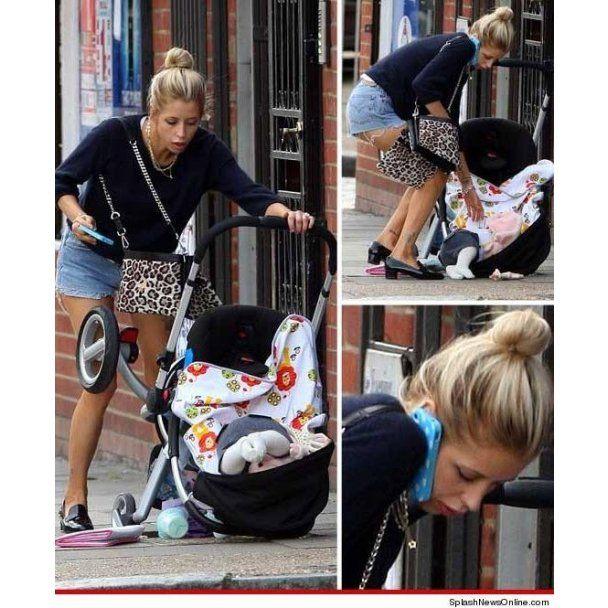Телеведуча впустила немовля на асфальт і продовжила базікати по телефону