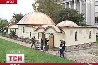 Вопреки международным запретам Десятинную церковь таки отстроят