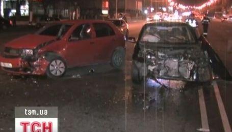 Пьяный чиновник за рулем внедорожника устроил масштабную аварии в Днепропетровске