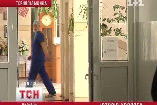 У Тернополі дівчина задихнулася під дверима лікарняного кабінету