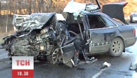 Трое людей погибло в аварии на Полтавщине