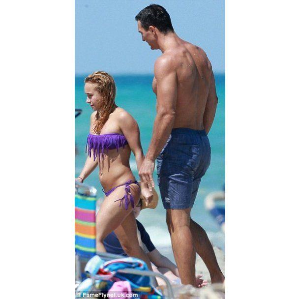 Владимир Кличко и Хайден Панеттьери целовались и обнимались на пляже Майами