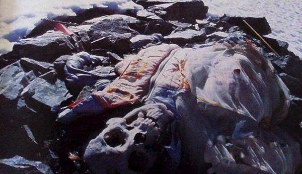 Эверест усеян трупами погибших альпинистов