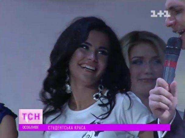 Київські студентки у нічному клубі з'ясували, хто з них найкрасивіша