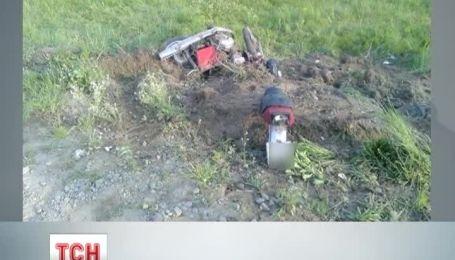 Трагедією закінчилася аварія мотоцикла та легковика на Львівщині