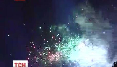 Шумное празднование дня Львова завершился лазерным шоу