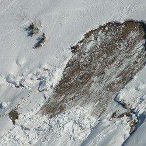 В Иране в результате схода лавины погибли восемь альпинистов