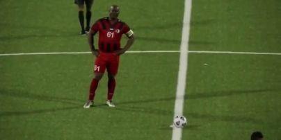 Вице-президент Суринама сыграл в матче североамериканского аналога Лиги Европы: вышел в старте вместе с сыном (видео)