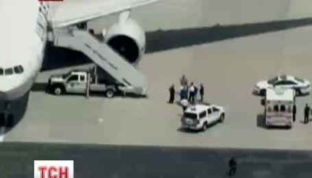 Пасажир літака, що здійснював політ з Гонконгу до Нью-Джерсі, ледве не зірвав рейс