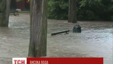 Висока вода атакує Францію