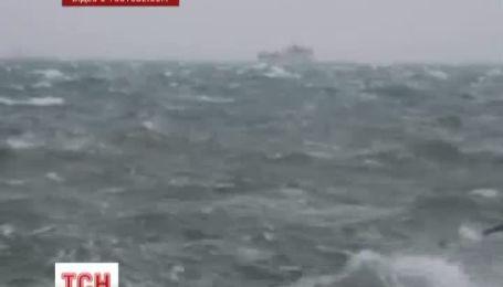 Из-за шторма в Азовском море погибла 25-летняя женщина