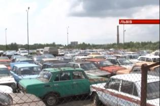 С украинских штрафплощадок пропадают авто