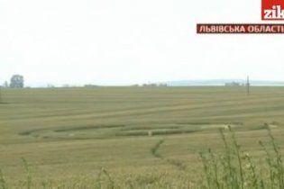 У село на Львівщині прилетів НЛО і залишив по собі загадкові сліди