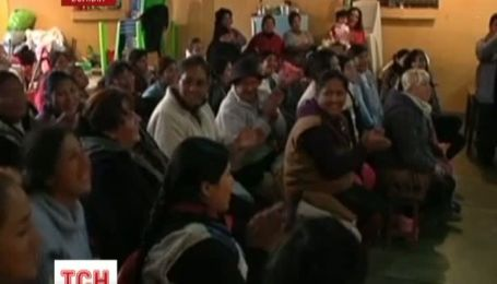 Боливийских заключенных учат танцевать фламенко