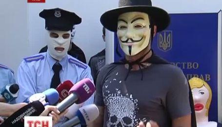 """Министра внутренних дел Украины попросили уйти """"по-хорошему"""""""