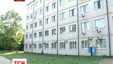 В Одеській лікарні з вікна 3 поверху випала дитина