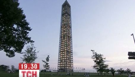 Монумент Вашингтона прикрасили сотнями ламп