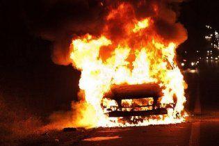 У Луганську невідомі підпалили автівку активіста Євромайдану