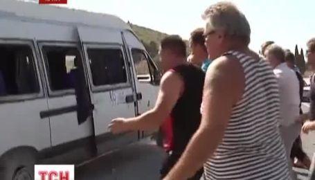 У Севастополя перевернулась маршрутка