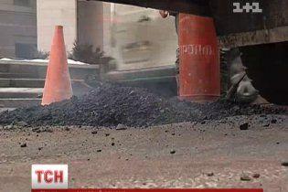 Укравтодор больше не хочет ремонтировать местные дороги