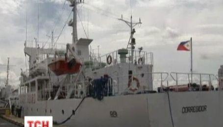 Біля берегів Філіппін затонув пасажирський паром
