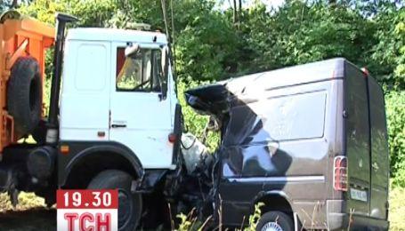 Водій, якого звинувачують у загибелі 9 людей на Хмельниччині, досі непритомний