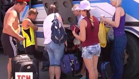У харьковчанки в Крыму похитили чемоданы из багажника автобуса