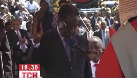 89-летний Роберт Мугабе в седьмой раз принес присягу президента Зимбабве