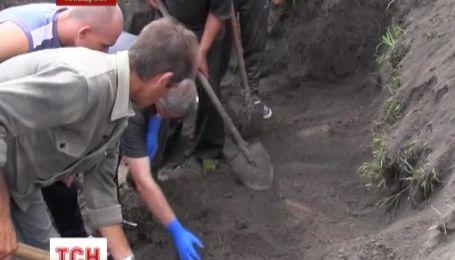 Мужчина убивал женщин и прятал трупы на кладбище