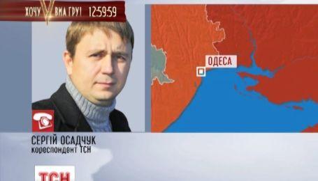 В Одесі двоє чоловіків в масках стріляли по людях