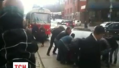 За паркування на трамвайній колії притягуватимуть до суду