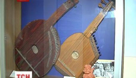 Колекція старовинних бандур стала предметом судового спору між музеєм та вузом