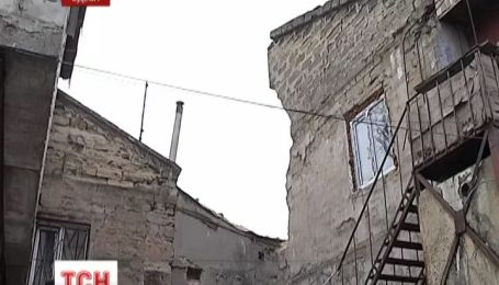 Одесские спасатели закончили работы на месте обрушения дома