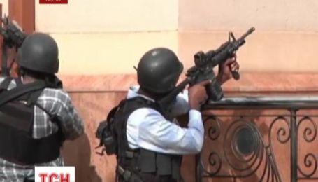 Еще около 10 заложников остаются в руках боевиков в Найроби