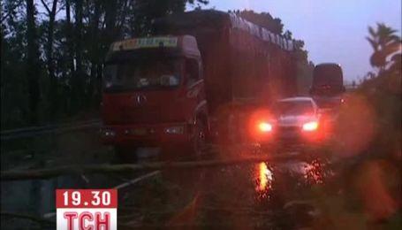 """У Китаї супертайфун """"Усагі"""" забрав життя 25 людей"""