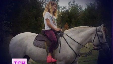 Ради нового клипа Тина Кароль укротила настоящего жеребца